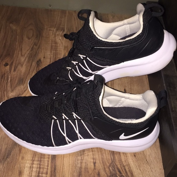 Women's Nike Running Athletic Shoes Size 8